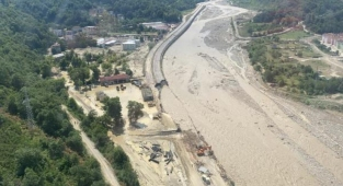 Sinop'ta selin izleri siliniyor