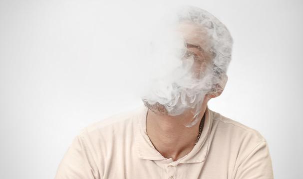 Sigara dumanı korneadaki hücreleri öldürüyor